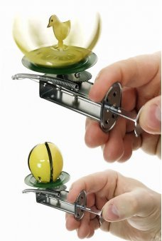 Easter Egg Spinner and Chick Tin Thumb Toy